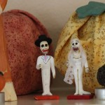(A closeup of my tiny Catrina figurines.)