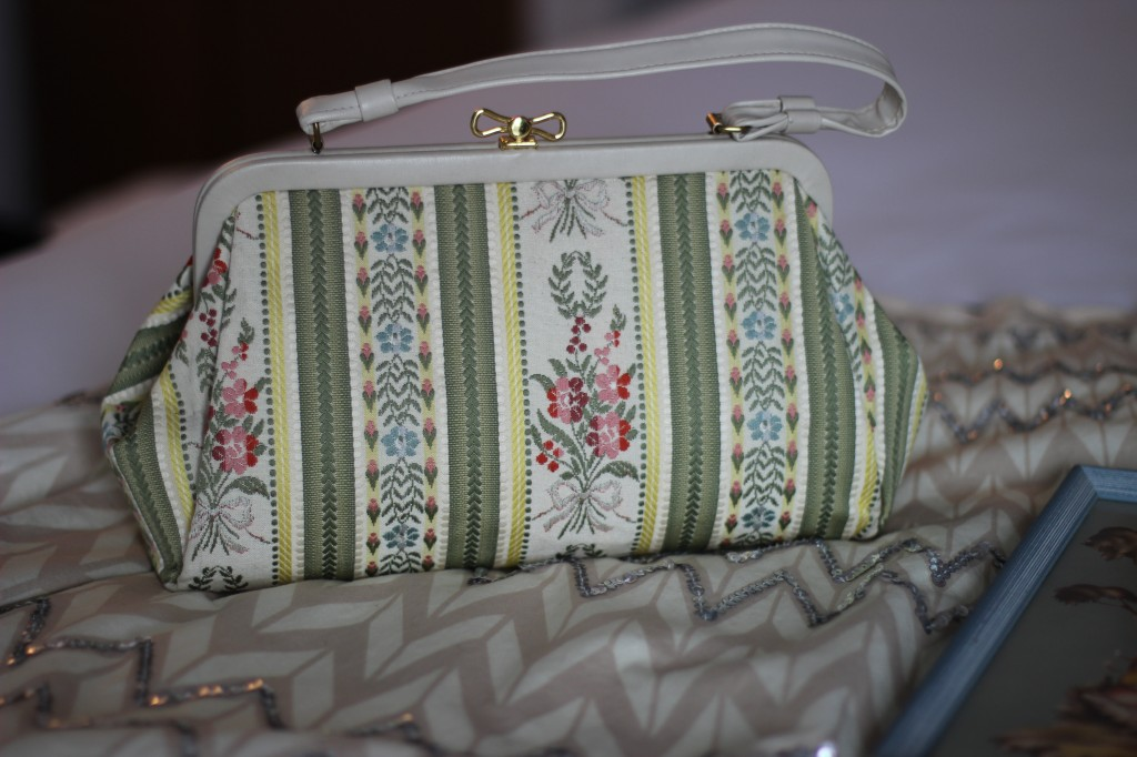 Walking with Cake: Town & Country bag