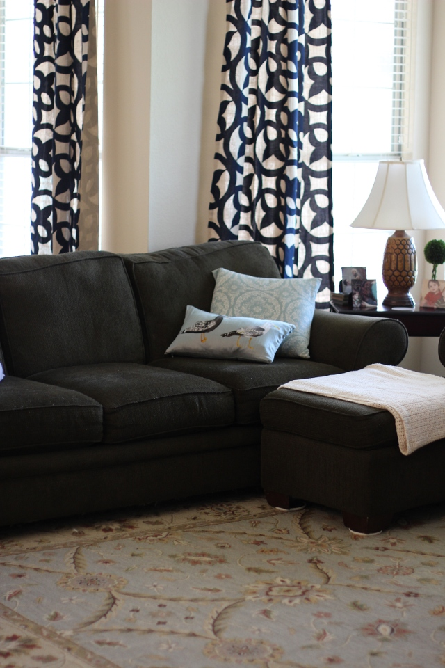 Walking with Cake: Hodge podge living room