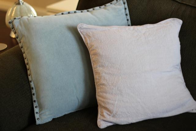 Walking with Cake: Velvet and linen pillows