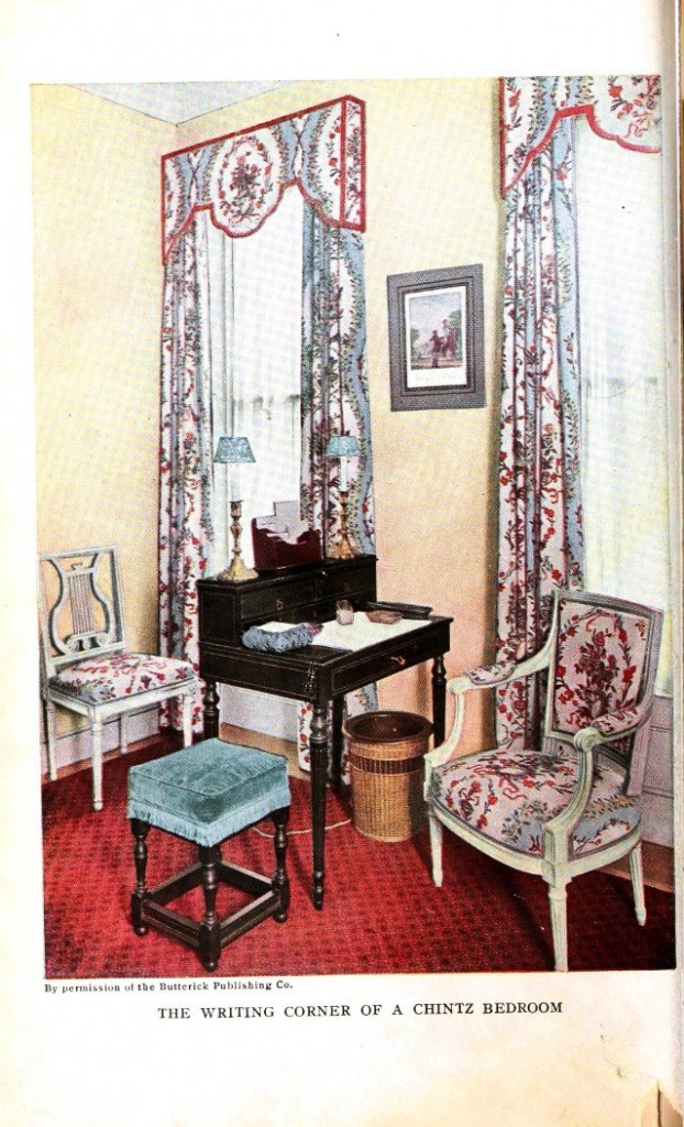 Design - Interior - Writing corner in a chintz bedroom via Vintage Printable
