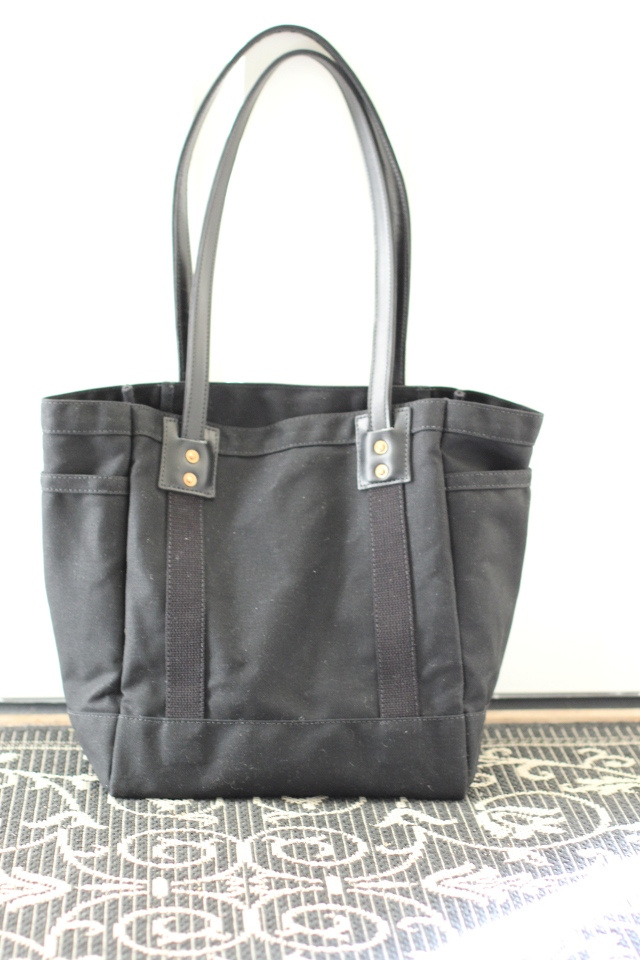 Walking with Cake: Artifact Bag Co. No. 115 Carry Tote in all black
