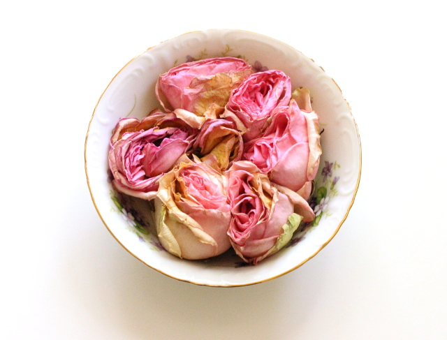 Walking with Cake: Bowl of roses