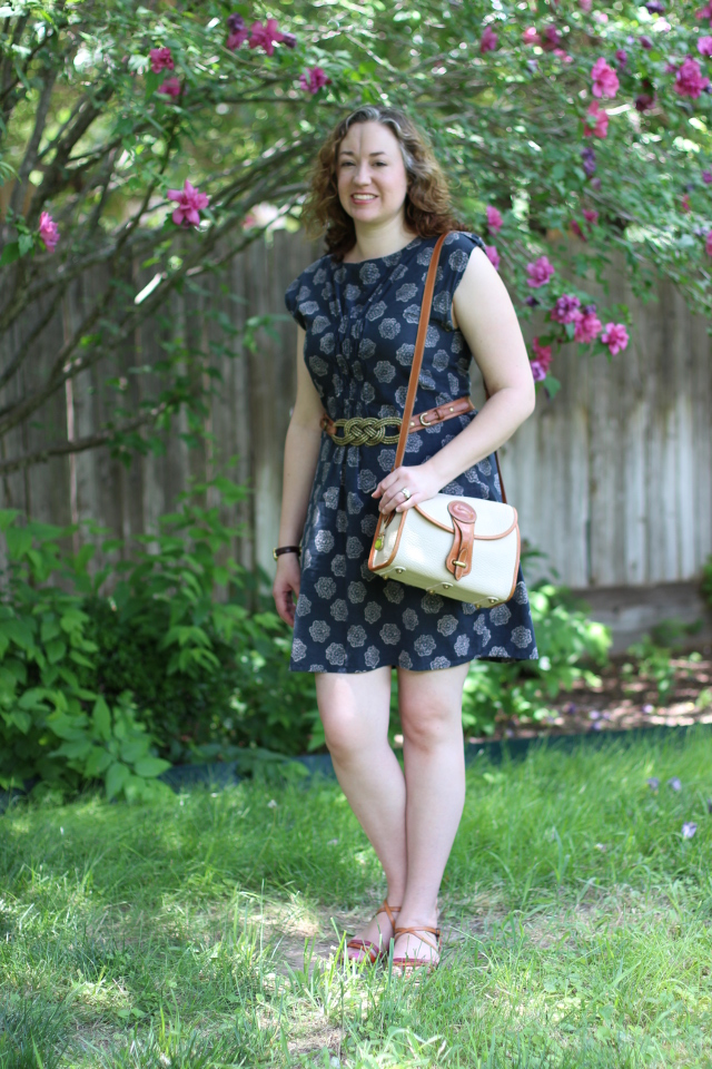 Walking with Cake: Shanghai Shift dress and D&B bag