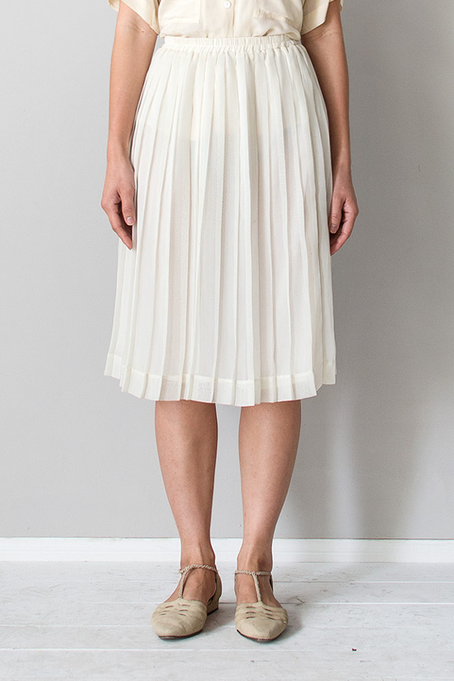 Walking with Cake: Orn Hansen vintage off white pleat chiffon skirt