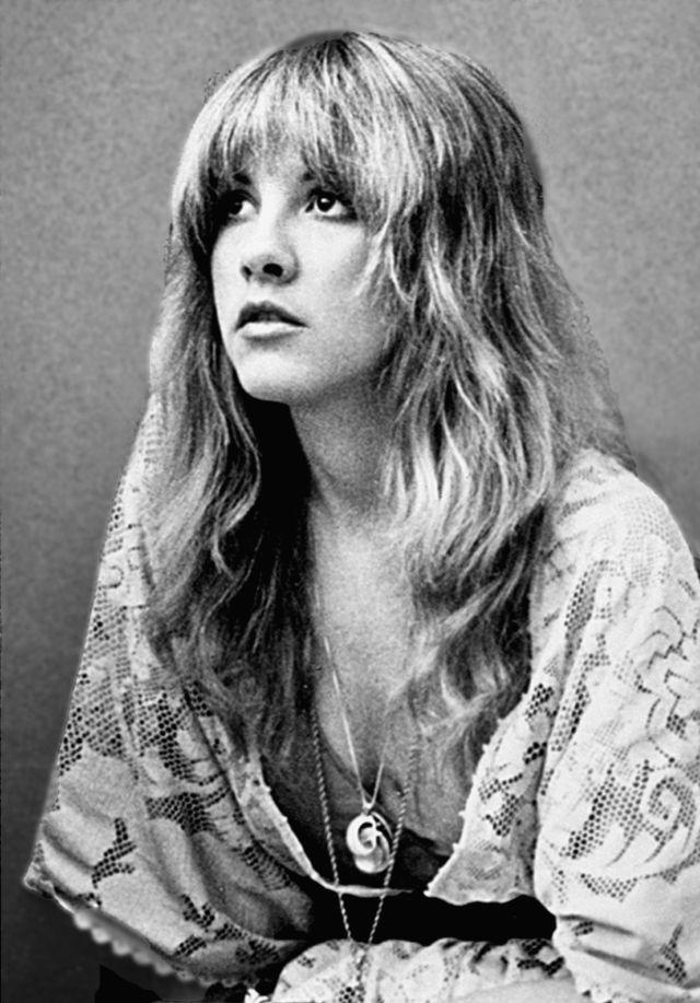 Walking with Cake: Stevie_Nicks_-_1977 via Wikipedia