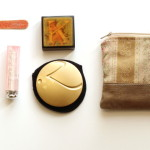 (What's in my beauty bag.)
