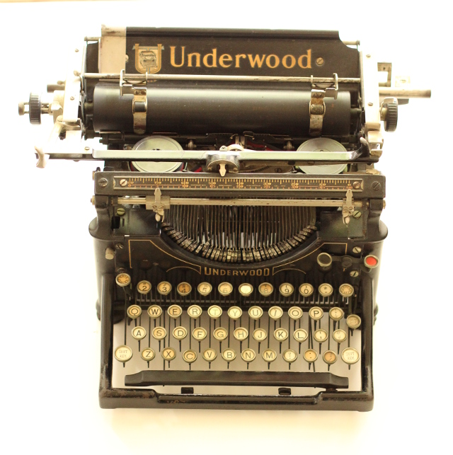 Walking with Cake: Underwood Typewriter