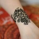 Walking with Cake: Henna tattoo