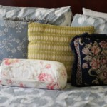 (My favorite mix and match bed pillows.)