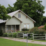 (A pretty house in Elgin, Texas.)